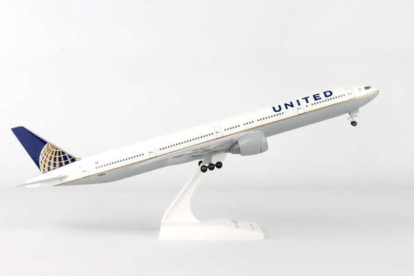 Skymarks United Airlines 777-300 1/200 Scale with Stand & Gears N5803I