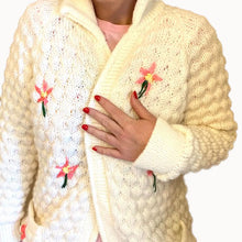 Load image into Gallery viewer, EMBROIDERED CARDIGAN