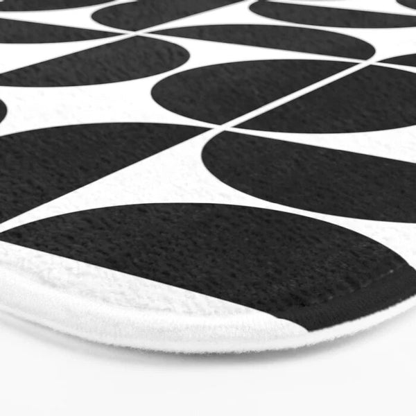 Modern black and white non-slip bath mat