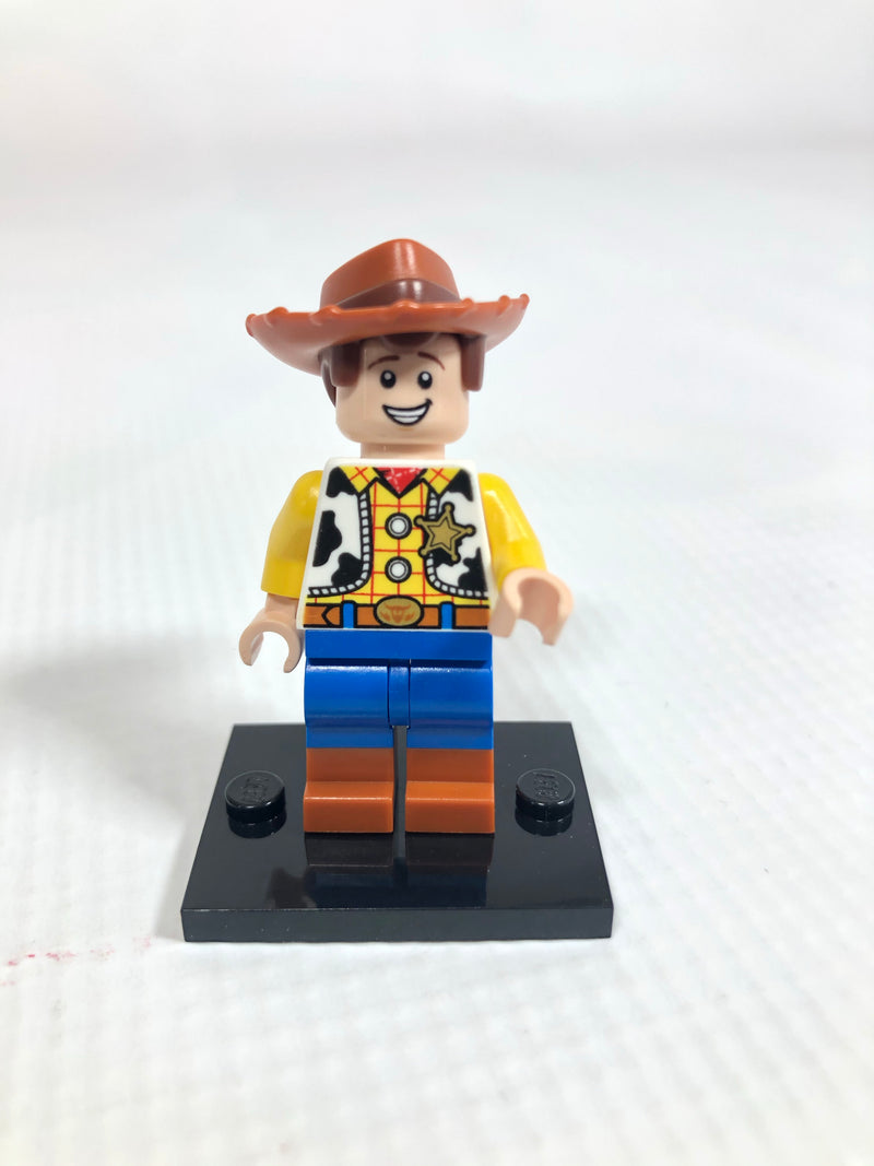TOY025 Woody - Normal Legs, Minifigure Head, Smile with Teeth / Scared