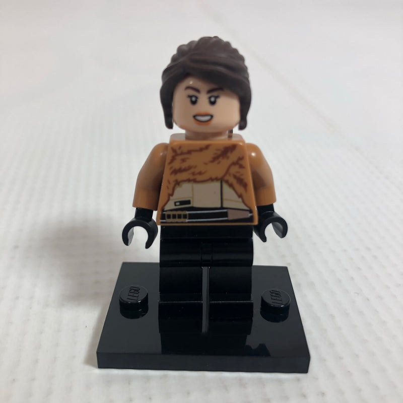 SW0946 Qi'ra - Fur Coat