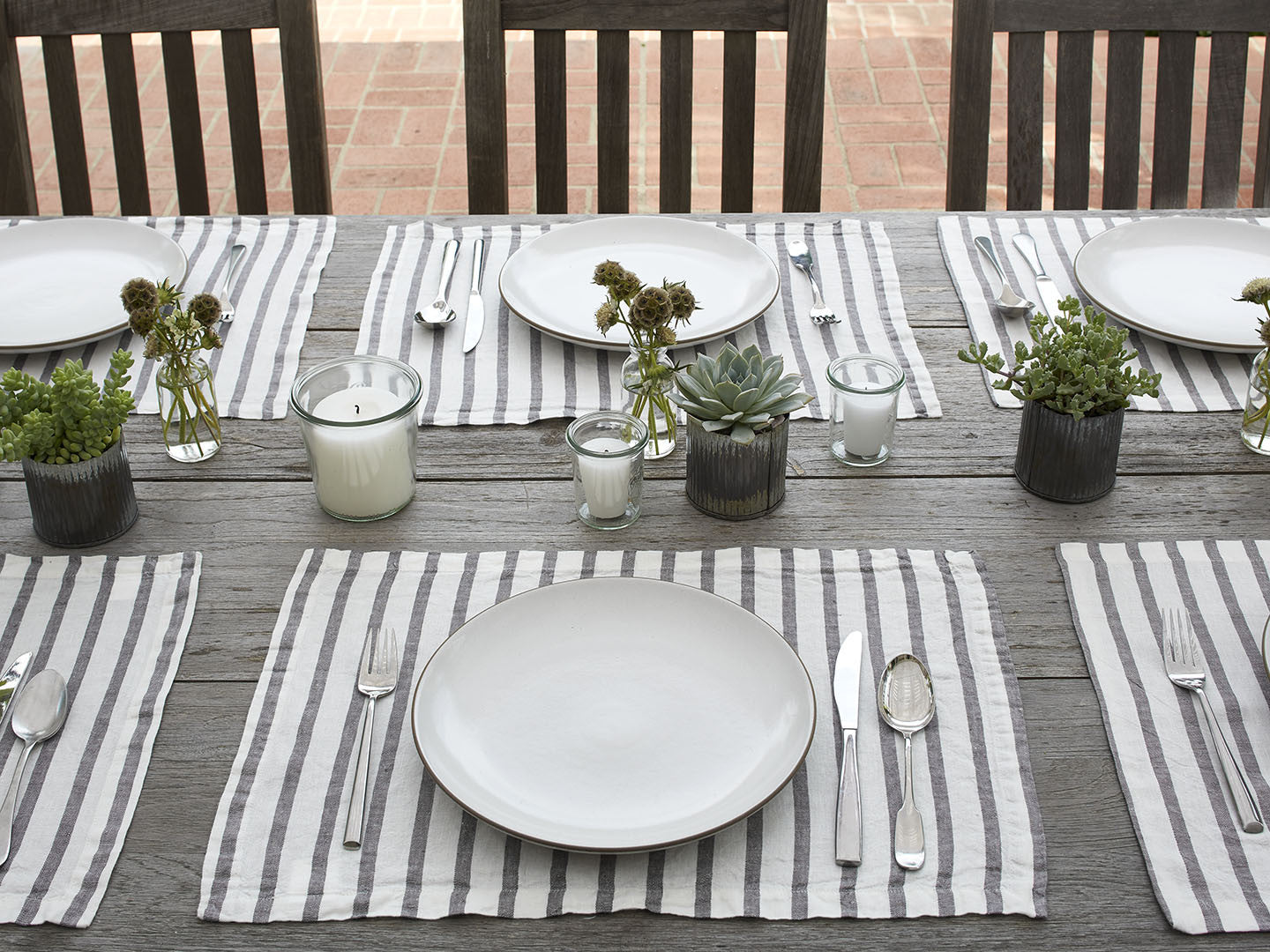Attractive Linen Placemats – Parachute IY26