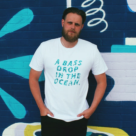 Bass drop white cotton tee