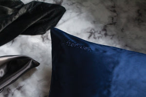 Pure Silk Pillowcase in Navy