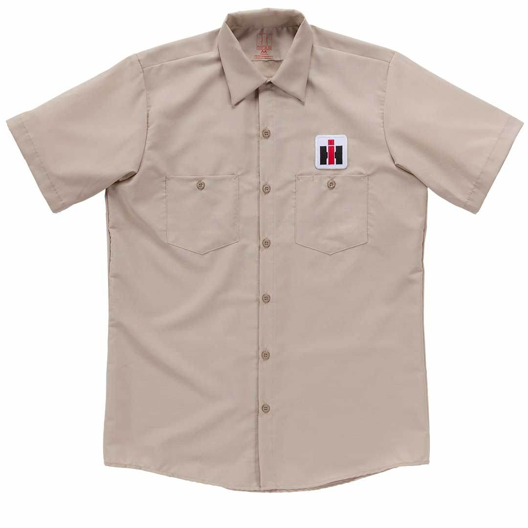 The IH Classic garage shirt is ideal for anyone who likes International Harvester.
