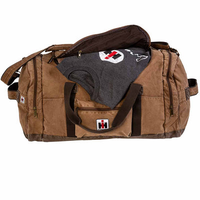 ih t shirt with duffle bag
