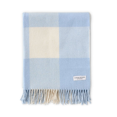 Grande Check Throw in Soft Blue