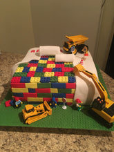 "Load image into Gallery viewer, Cake ""Lego"" (Fondant)"