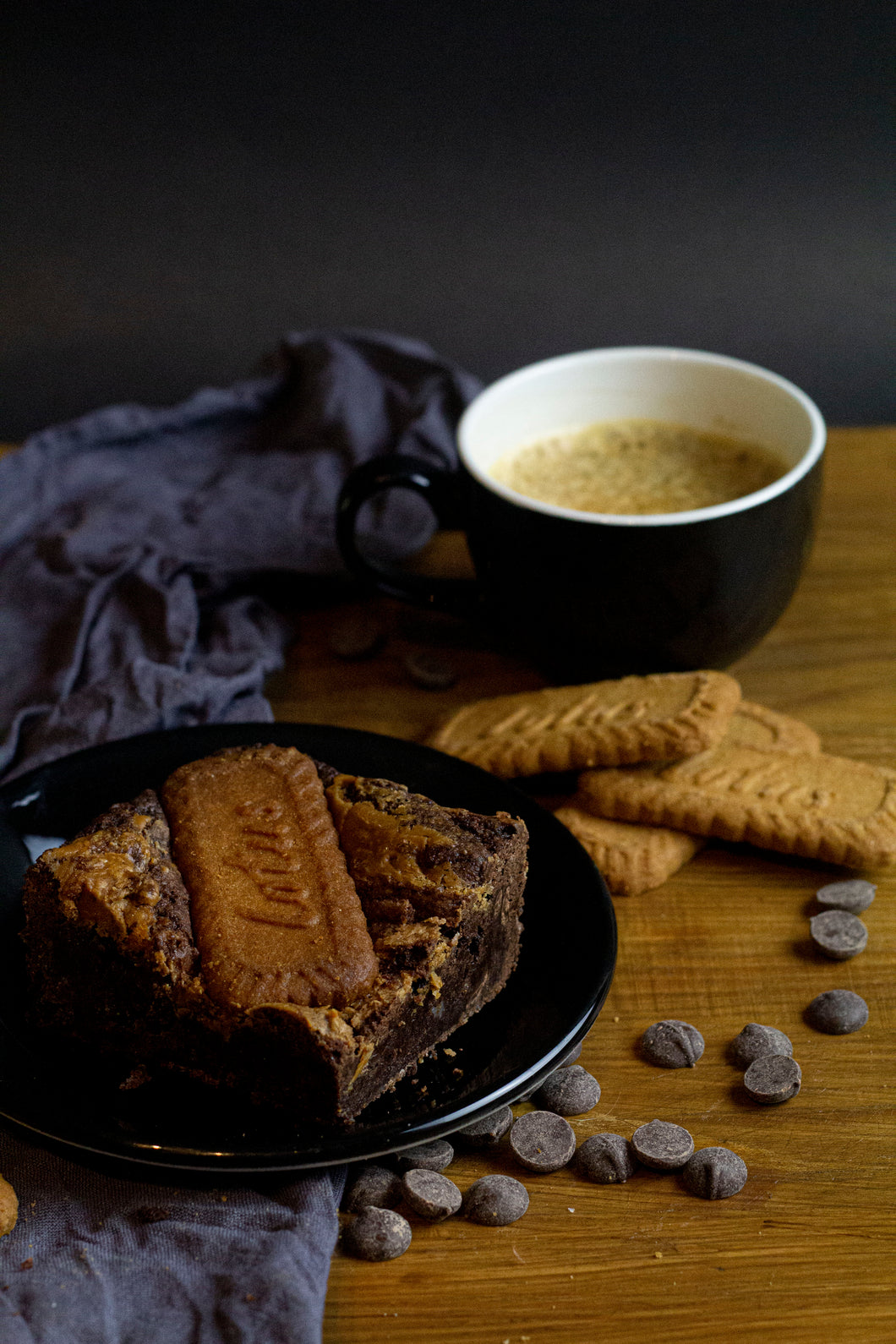 CRUNCH TIME-  Vegan Biscoff Biscuit Brownies