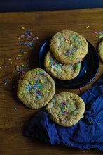 Load image into Gallery viewer, THE UNICORN - Vegan White Chocolate Cookies