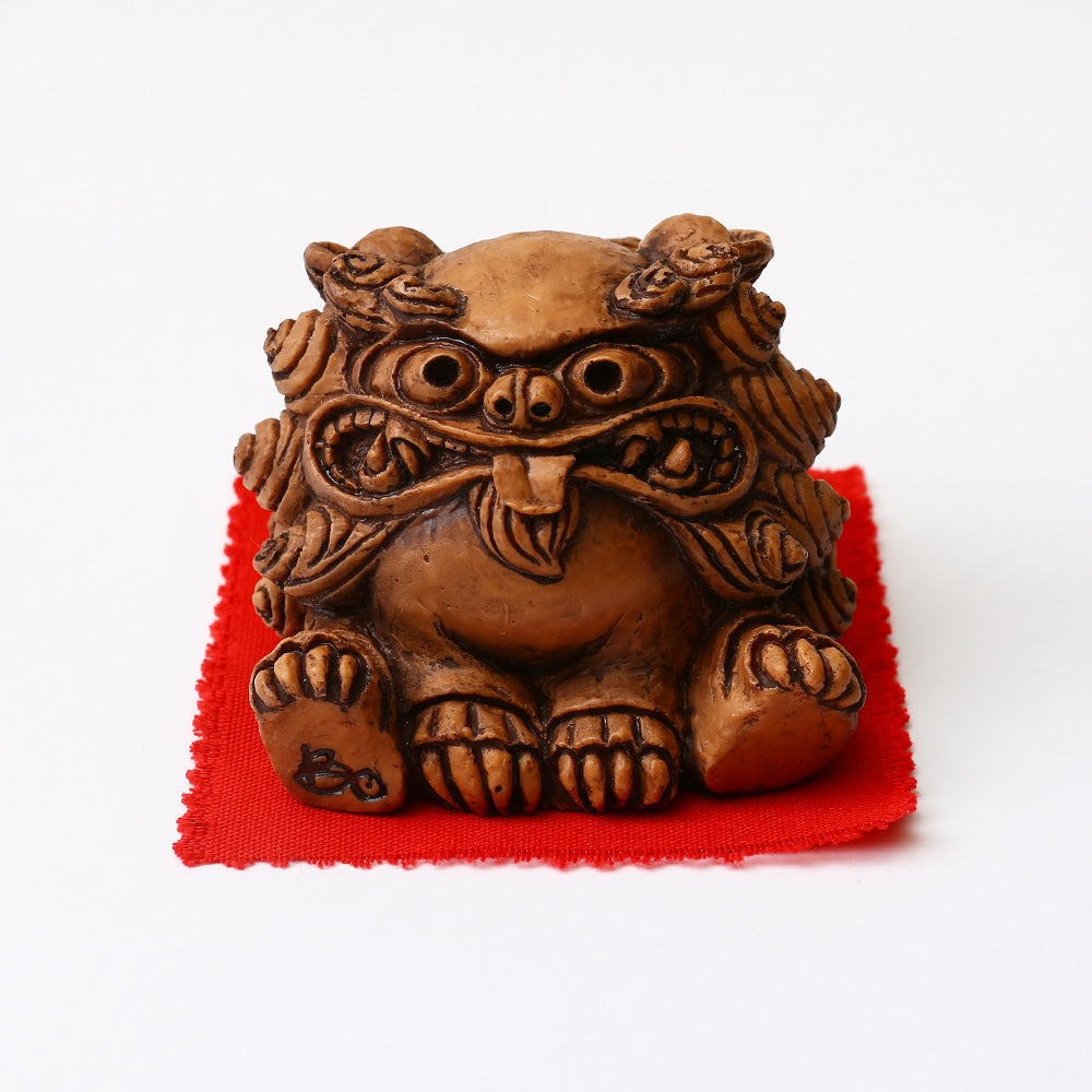 Shisa Statues ~ Mischievous Female Shisa ~ Large or Small Size - Kenko Root