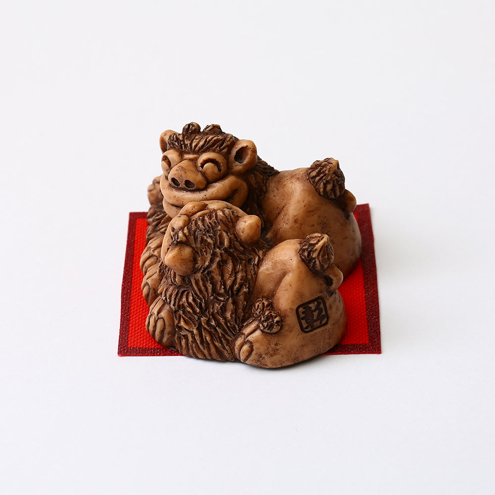Shisa Statues ~ Kissing Shisa ~ Male and Female Pair - Kenko Root