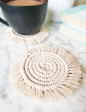 Load image into Gallery viewer, Macrame Coaster Set - Neutral