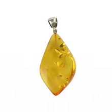 Load image into Gallery viewer, Polished Amber pendant cognac stone