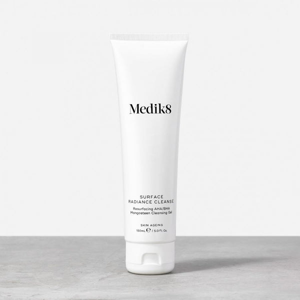 Medik8 Surface Radiance Cleanse™  Resurfacing AHA/BHA Mangosteen Cleansing Gel