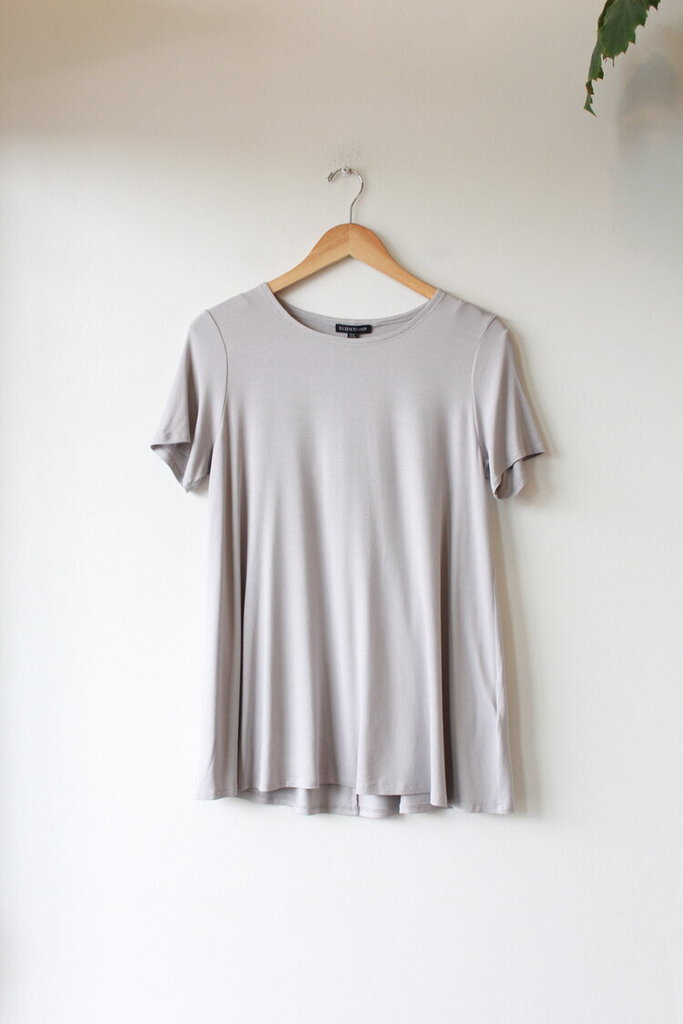 EILEEN FISHER LIGHT GREY VISCOSE SHORT SLEEVE TUNIC, SZ S NWT