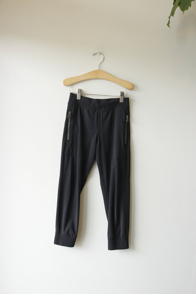 Ivivva by Lululemon black active joggers sz 6Y