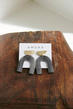 Load image into Gallery viewer, AMSHA ARCH EARRINGS IN BLACK