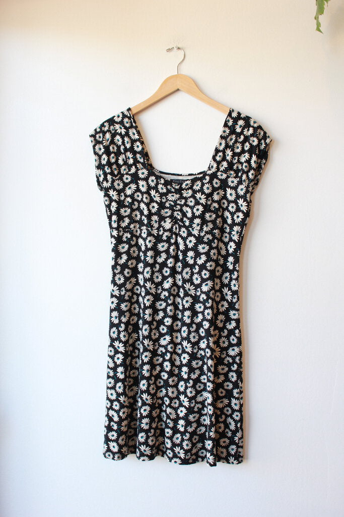 KING LOUIE BLACK DAISY PRINT KNIT DRESS, SZ L