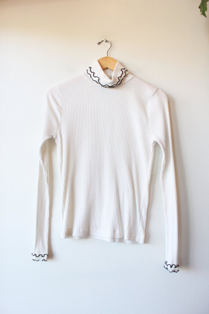 J.CREW WHITE RIBBED LIGHTWEIGHT TURTLENECK WITH BLACK SURGED EDGE, SZ S