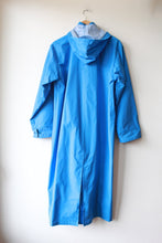 Load image into Gallery viewer, VINTAGE ACADIA BLUE PVC LONG RAIN JACKET SZ S/M