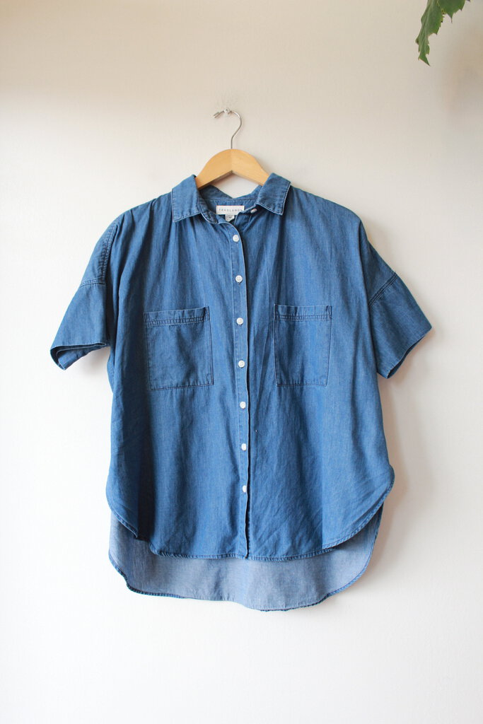TRADLANDS BOX TOP IN VINTAGE DENIM SZ M (RETAIL $147 SOLD OUT)
