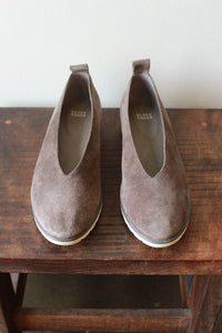 EILEEN FISHER GREY SUEDE FLATS SZ 9