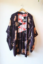 Load image into Gallery viewer, VINTAGE PURPLE FLORAL OPEN KIMONO JACKET SZ S/M