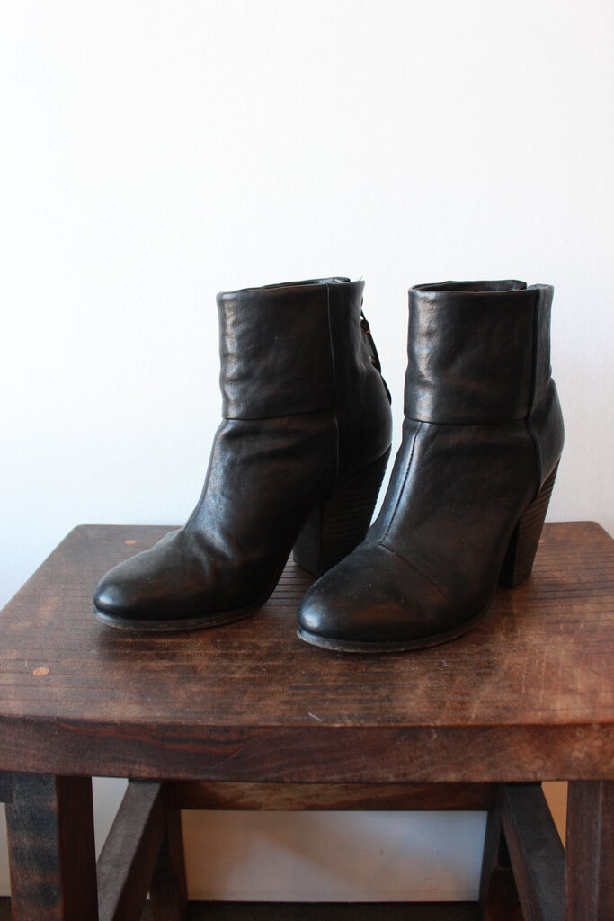 RAG & BONE HARLOW ANKLE BOOT IN BLACK SZ 38/7.5
