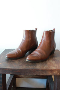 J.CREW BROWN CHELSEA BOOTS SZ 8.5 (AS IS: SLIGHT TOE SCUFFING)