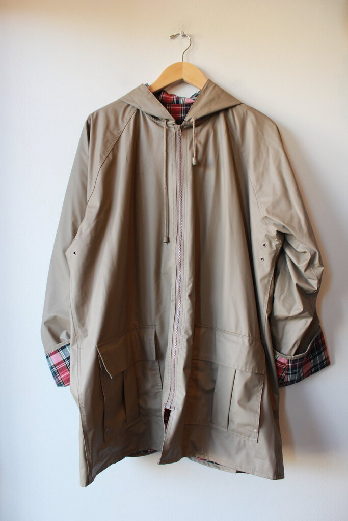 TOTES TAN PVC RAIN JACKET WITH PLAID LINER SZ L
