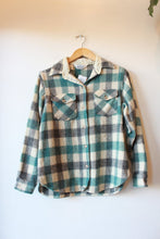 Load image into Gallery viewer, VINTAGE WOOLRICH GREY TURQUOISE IVORY WOOL SHIRT COAT SZ XS (VINTAGE WEAR + SOME SHRINKAGE)