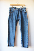 Load image into Gallery viewer, LEVI'S 501 JEANS SZ 6-8