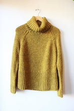 Load image into Gallery viewer, MADEWELL HEATHER MUSTARD GREY WOOL BLEND CHUNKY TURTLENECK SWEATER SZ S