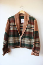 Load image into Gallery viewer, VINTAGE NATURAL CAMEL GREEN MAUVE CHANILLE CROPPED JACKET SZ XL (FITS M/L)