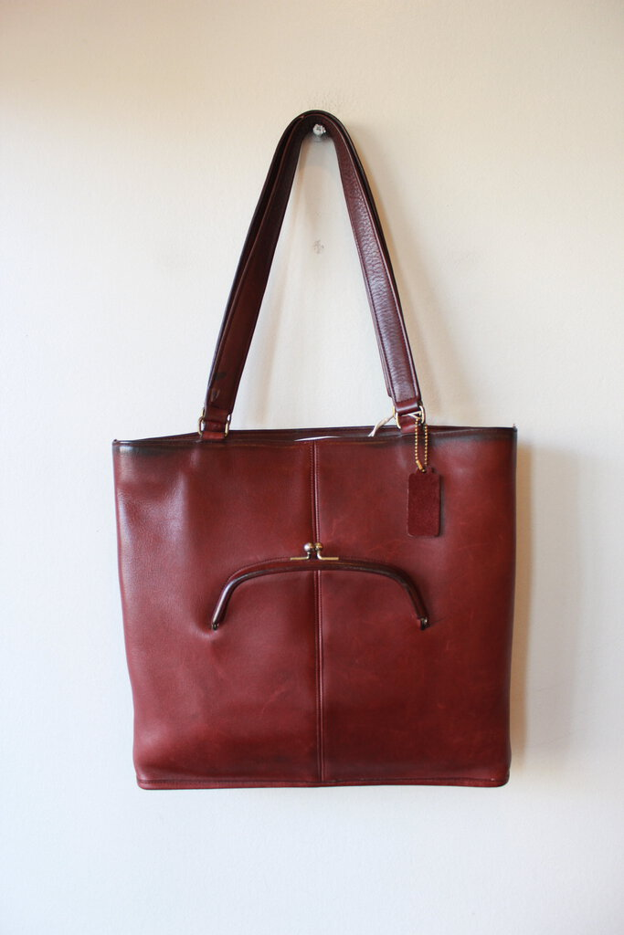 VINTAGE BONNIE CASHIN BURGUNDY TOTE WITH OUTSIDE KISSLOCK POCKET (COLLECTIBLE) (VINTAGE WEAR)