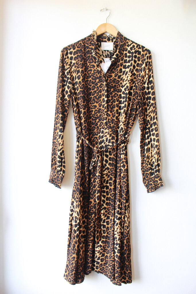 JUST FEMALE LEOPARD PRINT DRESS SZ M NWT