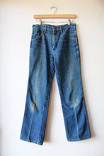 Load image into Gallery viewer, VINTAGE WRANGLER DISTRESSED JEANS SZ 2-4