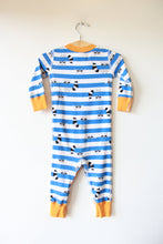 Load image into Gallery viewer, HANNA ANDERSSON BLUE STRIPED RACOON PJS SZ 70/9-18M