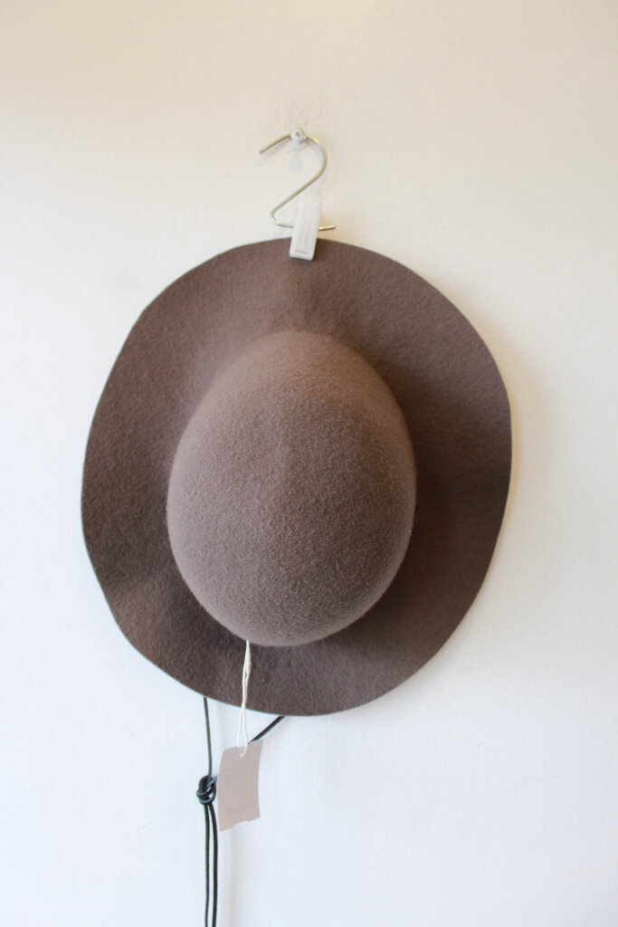 BROOKES BOSWELL BROWN FELTED WOOL HAT WITH LEATHER STRAP SZ M