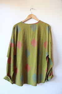 MADE IN USA PEA-GREEN WOVEN IKAT PULLOVER W/OVERSIZED POCKET & KEYHOLE SZ S-M (FITS L-XL)
