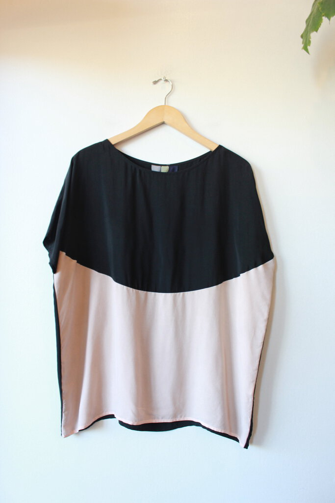 MADE IN PDX BLACK & PETAL BOXY CUPRO TOP SZ XS/S (OVERSIZED)