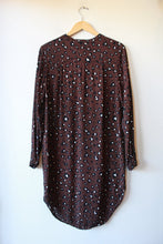 Load image into Gallery viewer, JUST FEMALE PLUM LEOPARD PRINT BUTTON DOWN TUNIC SZ S
