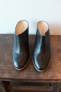KELSI DAGGER BLACK LEATHER SLIDE/CLOG + WOODEN WEDGE HEEL (AS-IS:TOE SCUFF) SZ 10