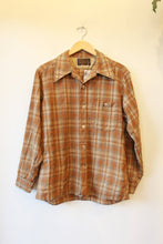 Load image into Gallery viewer, VINTAGE PENDLETON OCHRE + BEIGE PLAID WOOLEN SHIRT (VINTAGE WEAR) SZ M-L