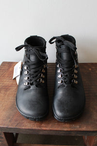 ZAQQ BLACK WATERPROOF LEATHER BAREFOOT BOOTS NWT SZ 8.5 (39)