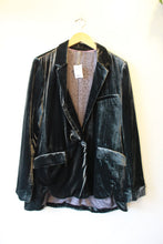 Load image into Gallery viewer, ANTHROPOLOGIE PEWTER VELVET BLAZER SZ L