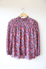 Load image into Gallery viewer, REBECCA TAYLOR SILK/COTTON PANSY PRINT SMOCKED MOCKNECK SZ XS (2)