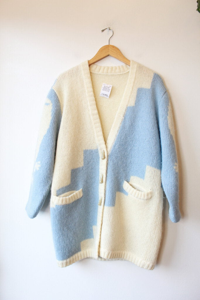 VINTAGE BABY BLUE IVORY OVERSIZED WOOL CARDIGAN WITH EAGLES ON THE SLEEVES! SZ M/L