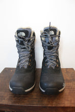 Load image into Gallery viewer, THE NORTH FACE BLACK INSULATED SNOW HIKING BOOTS SZ 9